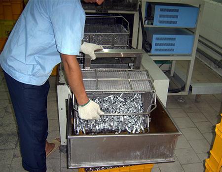 SZ系列全自动电容器外壳导针清洗机