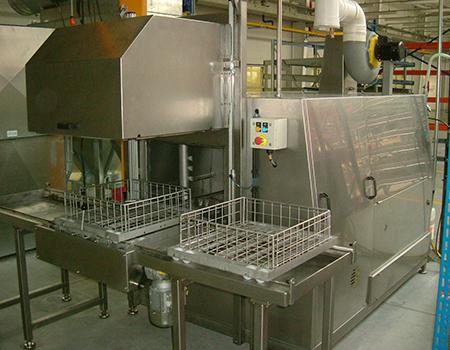 SZ系列单工位自动往复式喷淋清洗机